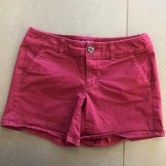 American Eagle Outfitters Pants - AMERICAN EAGLE midi chino maroon shorts